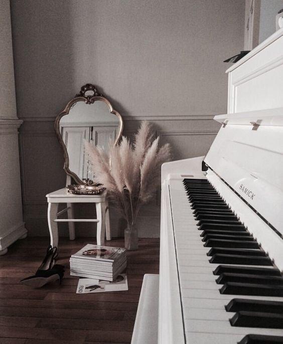 ร้านย้ายเปียโนมีประสบการณ์สูง ในเขตบางรัก  ย้ายเปียโนราคาถูก เริ่มต้นที่ 2000 บาท โทรเลย 083010 5645