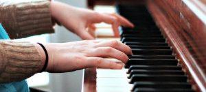 ซ่อมเปียโน เขามีประกันงานซ่อมกันไหมคะ  ย้ายเปียโนราคาถูก เริ่มต้นที่ 2000 บาท โทรเลย 083010 5645